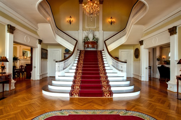 Foyer Governors Mansion House Decor