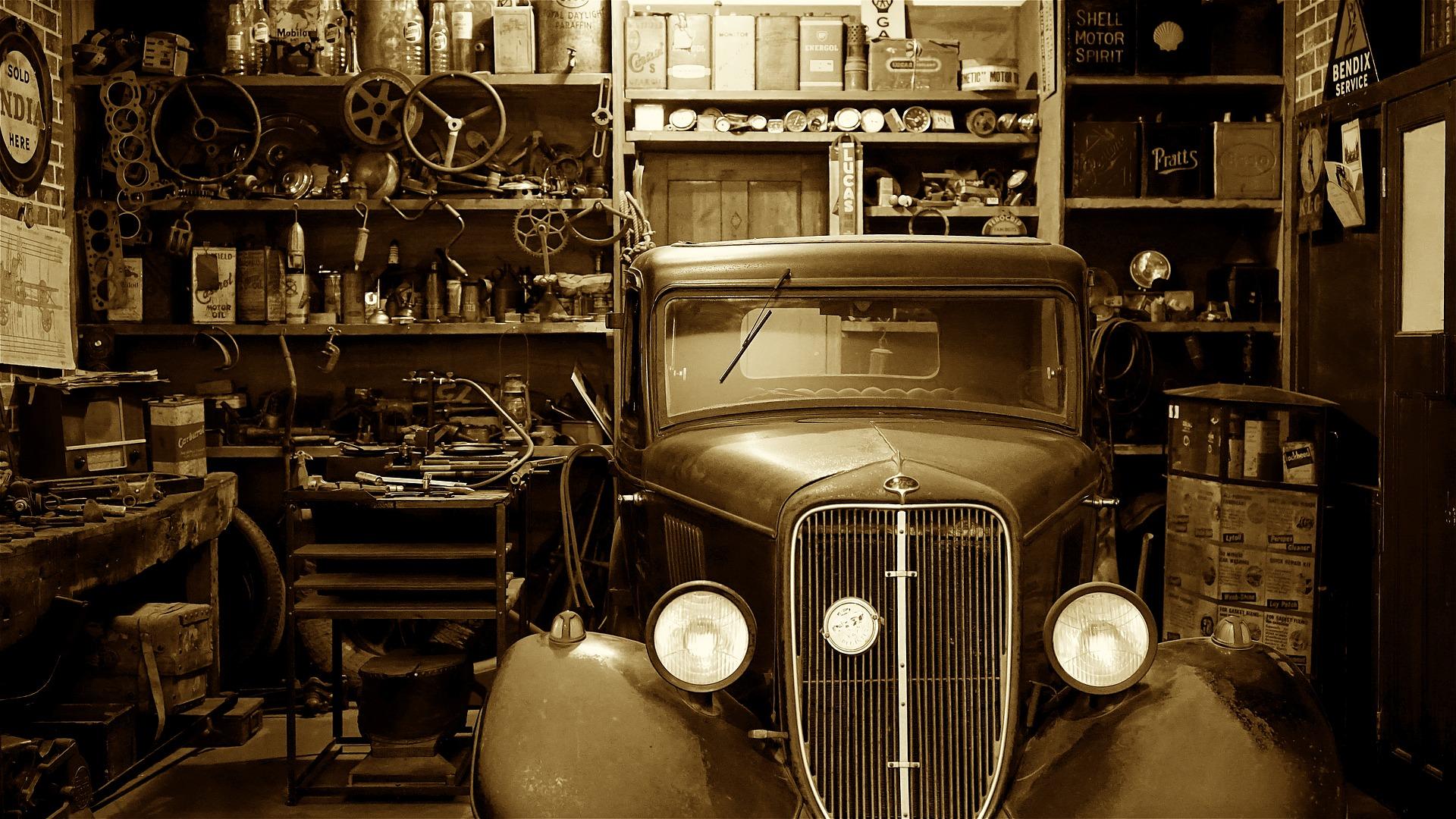 Garage antique art design